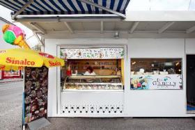 Eis-Kiosk komplett ausgestattet
