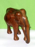 Foto 3 Elefant aus Holz