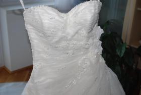 Foto 2 Elegantes Brautkleid (Einzelstück von St. Patrick)