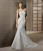 Elegantes Brautkleid aus Spitze - Pronovias-Label, White One - inkl. Accessoires