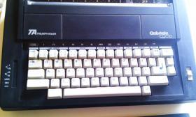 Foto 2 Elektrische Schreibmaschine Triumph-Adler Gabriele Cyclo