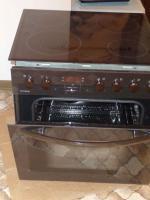 Elektro-Einbauherd mit Glaskeramik-Kochfeld