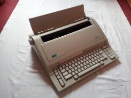 Elektronische Schreibmaschine Optima SP20 mit originalen Farb- und Korrekturbänder neuwertig