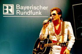 Foto 6 Elvis Live Show - Leo Bischof | Deutschlands bester Elvis Imitator, Tribute Artist, Interpret, Impersonator, Darsteller, Doppelg�nger, S�nger der Spitzenklasse
