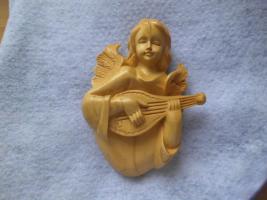 Foto 2 Engel aus hellem Holz