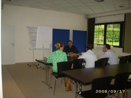 Englisch Lehrer mit Staatsexamen Sek.1 erteilt Englisch, Russisch, Mathe Nachhilfe und Unterricht