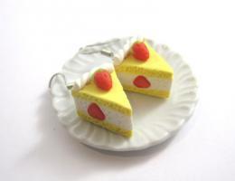 Erdbeer Kuchen Ohrringe
