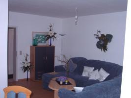 Foto 3 Erdgescho�wohnung in ruhigem Dreifamilienhaus mit eigenem Garten!