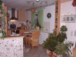 Foto 8 Erdgescho�wohnung in ruhigem Dreifamilienhaus mit eigenem Garten!