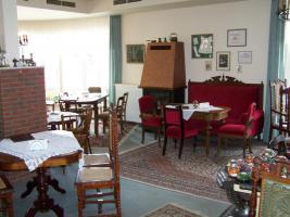 Erfolgreiches Café sucht aus Altersgründen Nachfolger.