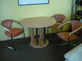 Essecke mit 4 Stühlen, Tisch ausziehbar