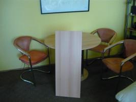 Foto 2 Essecke mit 4 Stühlen, Tisch ausziehbar