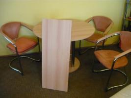 Foto 3 Essecke mit 4 Stühlen, Tisch ausziehbar