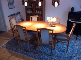 Essgruppe Kirschbaum (Tisch & 6 Stühle)