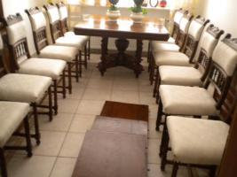 Foto 5 Eßgruppe, ausziehbarer Tisch, Gründerzeit Henry II, Nussbaum m. 12 Stühlen