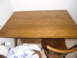 Essgruppentisch mit Stühlen