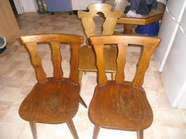 Foto 2 Essgruppentisch mit Stühlen