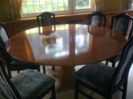Esstisch mit Stühlen; Garderobe