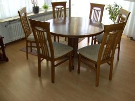 Esszimmer Eiche Rundtisch 120 cm mit 6 Eiche-Stühle.
