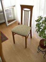 Foto 2 Esszimmer Eiche Rundtisch 120 cm mit 6 Eiche-Stühle.