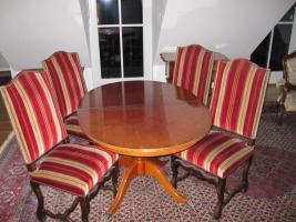 Foto 2 Esszimmer (Tisch+4 Stühle)