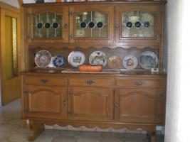 Eßzimmer mit Vitrinenschrank Eiche rustikal massiv