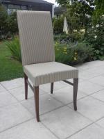 Foto 2 Esszimmergarnitur mit acht Stühlen