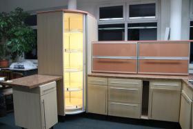 Foto 2 Exclusive neuwertige Einbauküche
