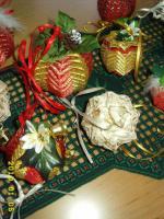 Foto 6 Exklusive Weihnachtsbaumkugeln + Spitze, jede Kugel handgearbeitet