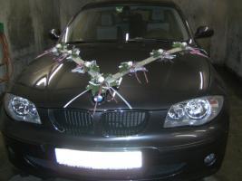 Exklusiver Autoschmuck für Hochzeit
