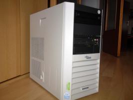 FSC Esprimo P5700 mit 3,2 GHz, 2048 MB, 40 GB, DVD, Windows XP