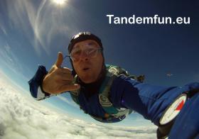 Foto 2 Fallschirmspringen lernen! Ausbildung AFF ''Minikurs'' aus 4300m nähe Regensburg, München, Nürnberg, Passau..