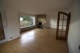 Foto 2 Fantastische Erdgeschoss 4 Zi.- Wohnung, 115m² + gart. + Gar.
