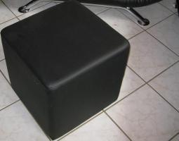 Foto 5 Fast neue Kunstledercouch Schwarz  3+2+Sessel + Hocker (ca 2 Jahre alt )