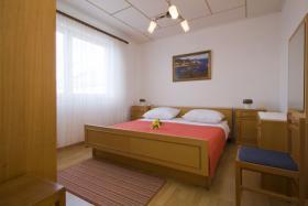 Foto 2 Ferienhaus zur Alleinnutzung in Lukoran auf der Insel Ugljan Dalmatien