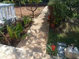 Foto 2 Ferienhaus auf der Insel Vir bis zu 10 Personen, 2 Ferienwohnungen mit grossem Garten