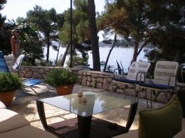 Foto 3 Ferienvilla auf der Insel Mali Lošinj direkt am Meer 8 Ferienwohnungen 2-4 Personen