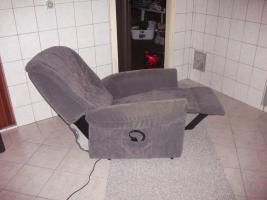 Fernseh- Relaxsessel mit Kabel- Fernbedienung