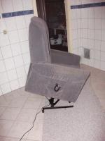 Foto 3 Fernseh- Relaxsessel mit Kabel- Fernbedienung