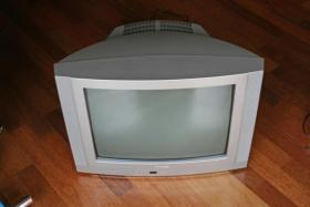 Fernseher von Medion mit Fernbedienung