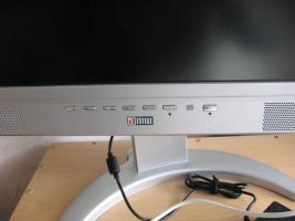 Foto 4 Fernseher-Monitor-VGA-Anschluss