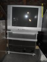 Fernseher mit TV-Regal
