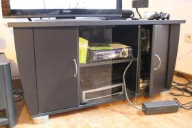 Foto 2 Fernsehschrank mit push to open System