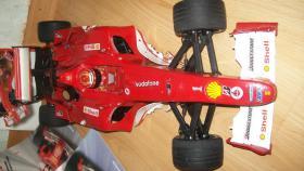 Foto 3 Ferrari 2004 Model 1:5