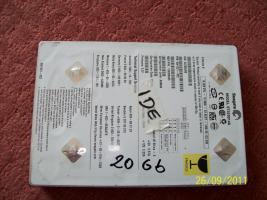 Festplatten: 20 GB, 30 GB, 40 GB (IDE)