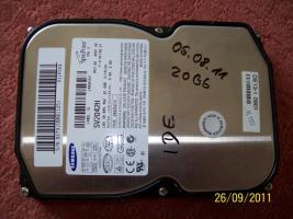 Foto 2 Festplatten: 20 GB, 30 GB, 40 GB (IDE)