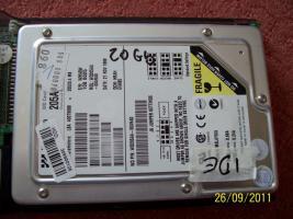 Foto 6 Festplatten: 20 GB, 30 GB, 40 GB (IDE)