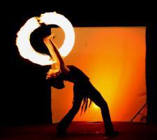Foto 3 Feuershow, Lichtshow, Stelzenläufer aus Köln/ NRW