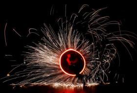 Foto 4 Feuershow, Lichtshow, Stelzenläufer aus Köln/ NRW