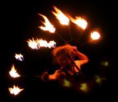 Foto 6 Feuershow, Lichtshow, Stelzenläufer aus Köln/ NRW